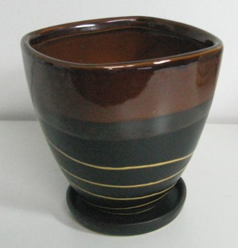 Elegantný keramický hrniec 3