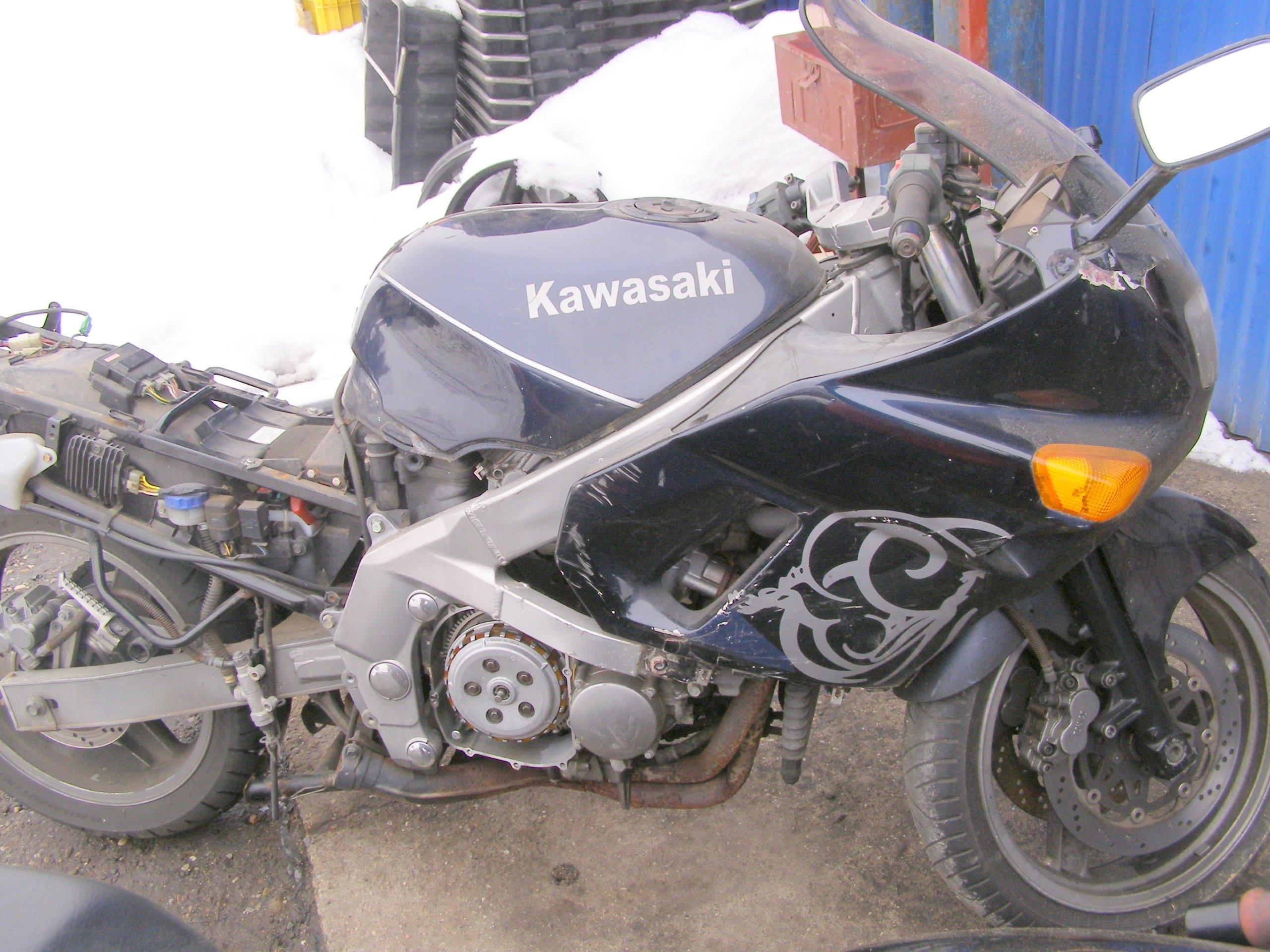 Kawasaki ZZR 600 1991-92 Diely Motocykel na častiach