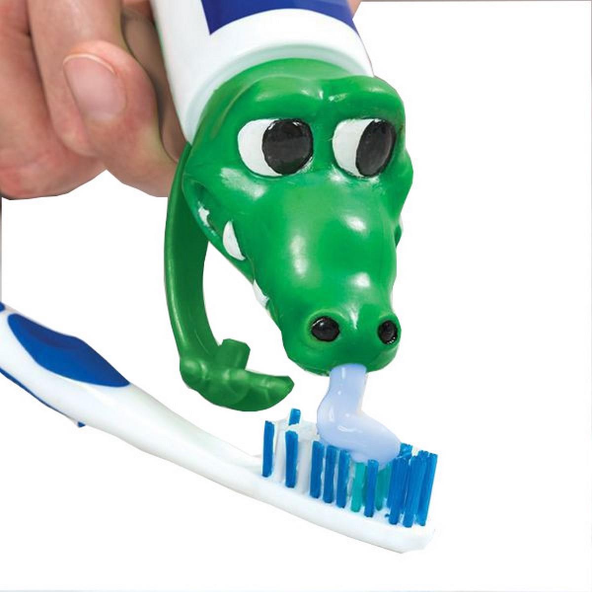 Rúrkové prekrytie. Zuby pasty. Krokodílové darčeky