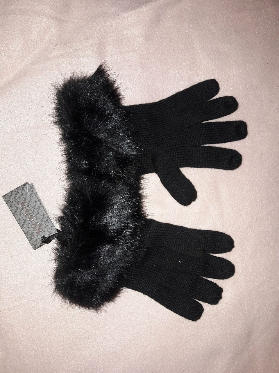 155cea8128adf Wełniane rękawiczki z Firmy Guess !! Nowe !!. - 7169094195 ...