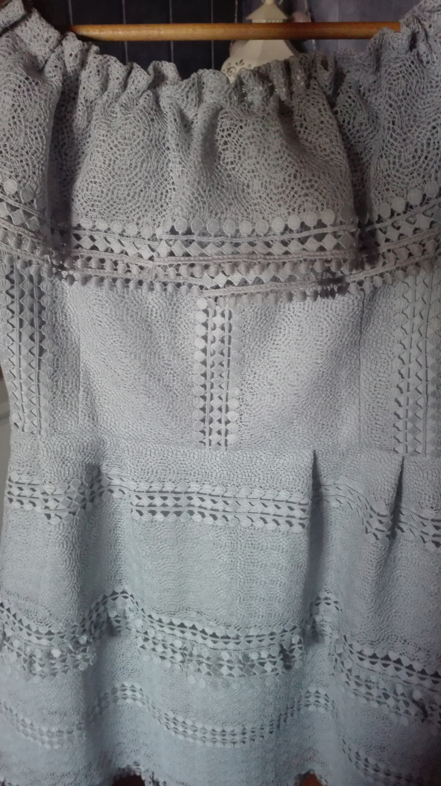 fc8cd14e8c Sukienka koronkowa szara Illuminate Blanca r.M - 7700384885 ...