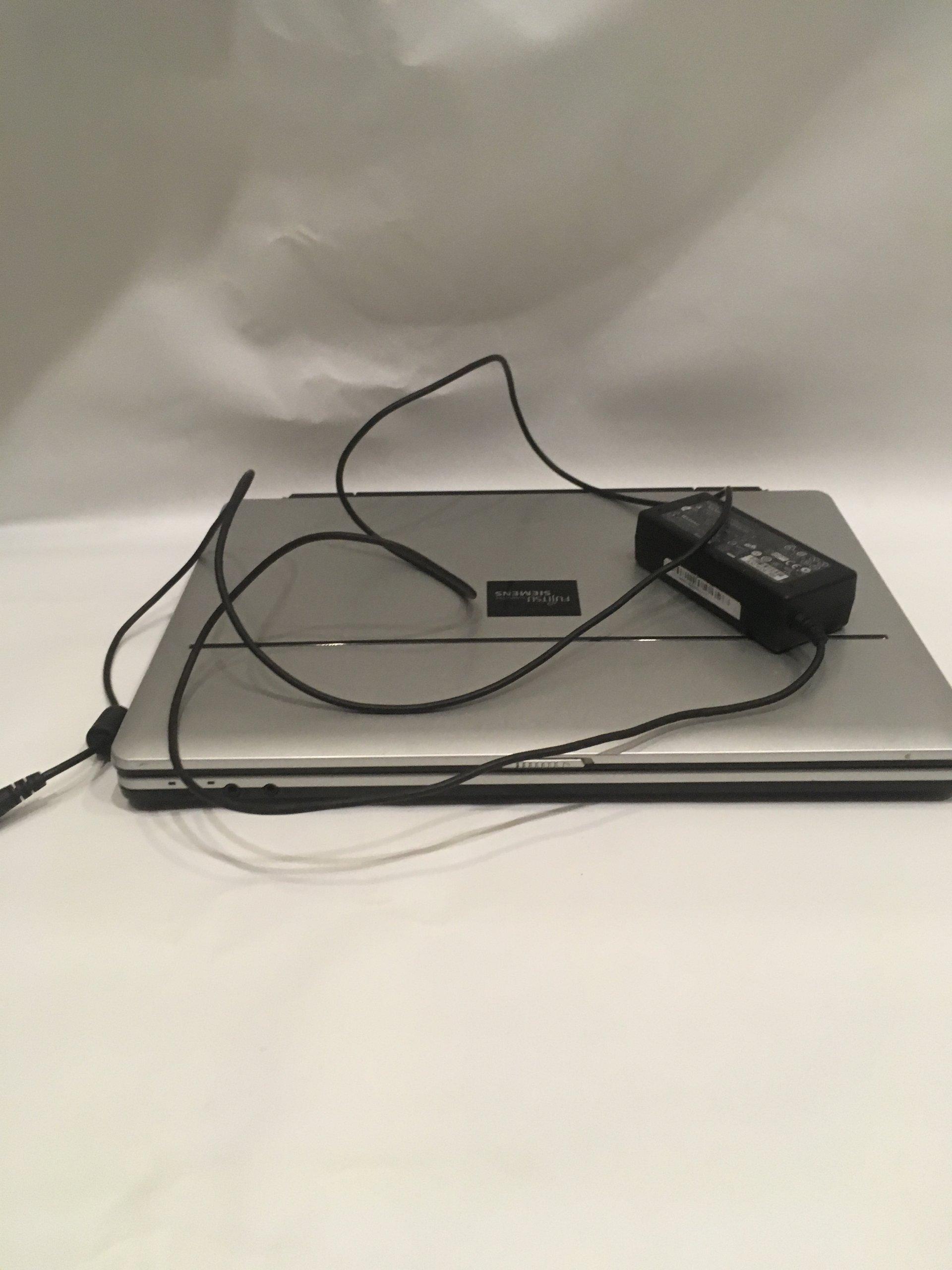 Laptop Fujitsu Simens Amilo Pa2510 Używany