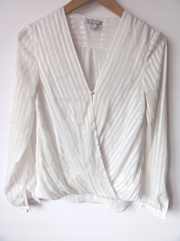 2055370d H&M krem kopertowa bluzka koszula mgiełka 34