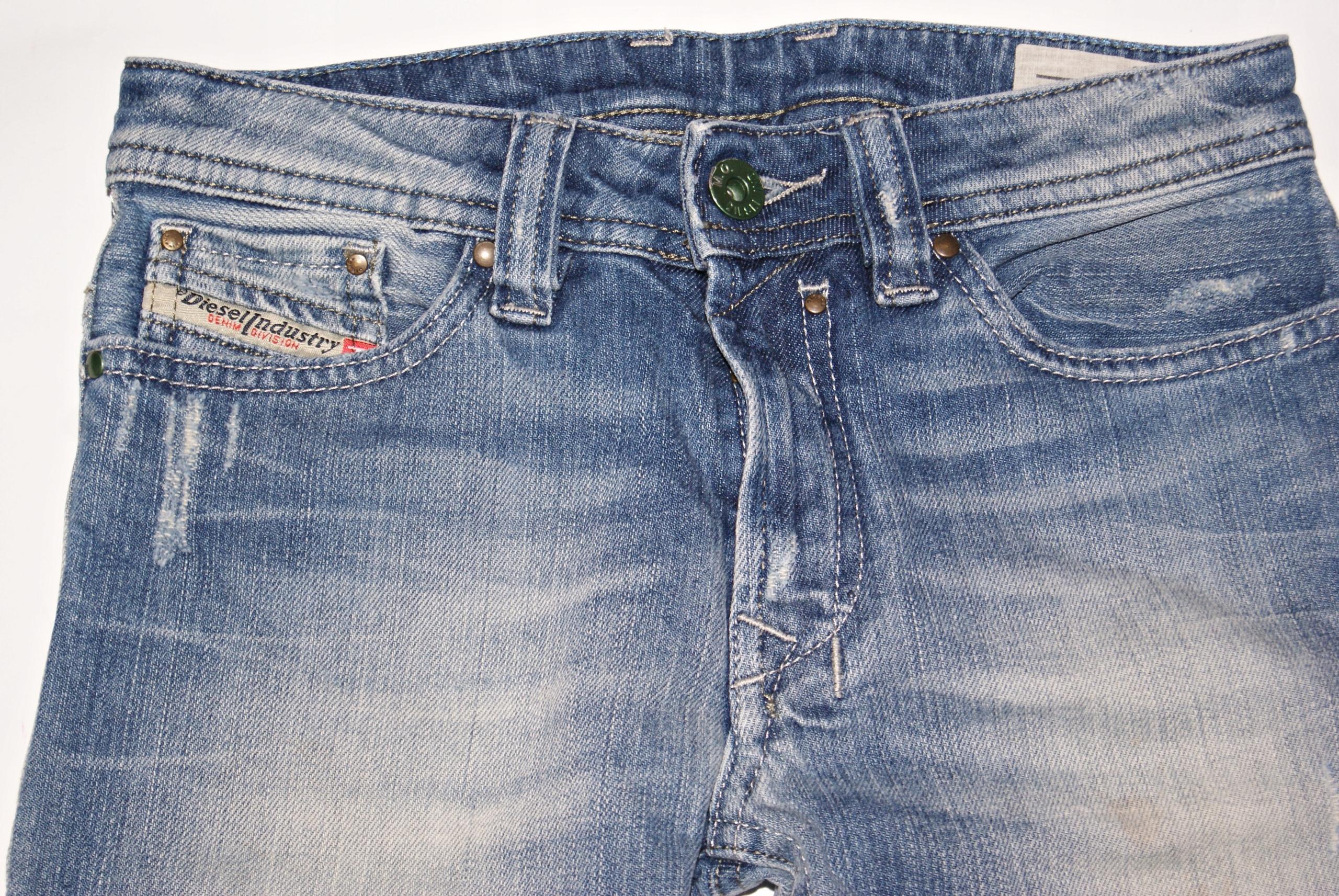 7c1df440bf7a1 DIESEL  chłopięce jeansy wycierane r.8L - 7672286656 - oficjalne ...