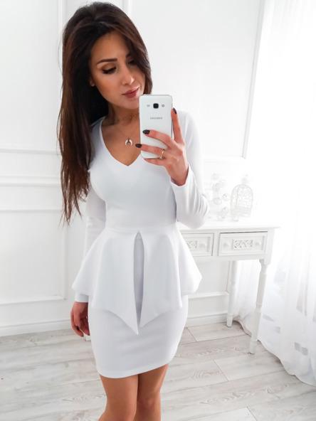 c558e45d0a4f Dopasowana biała sukienka z baskinką 34 XS VUBU - 7143377124 ...