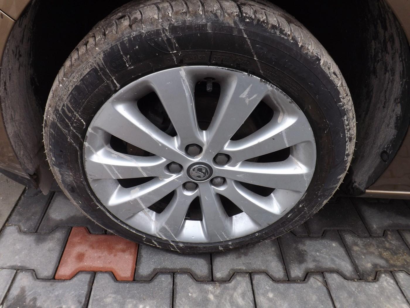 Opel Astra J Iv 4 Felgi Aluminiowe 17 Cali Komplet 7067777013