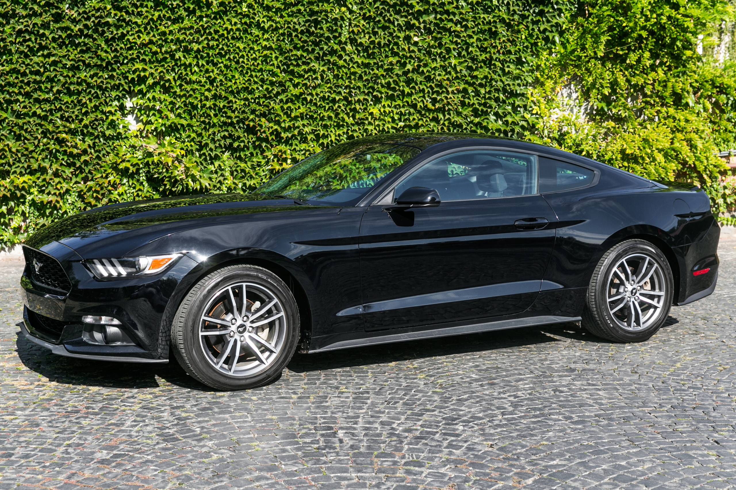 Ford Mustang 2.3 Ecoboost 2016 Specs