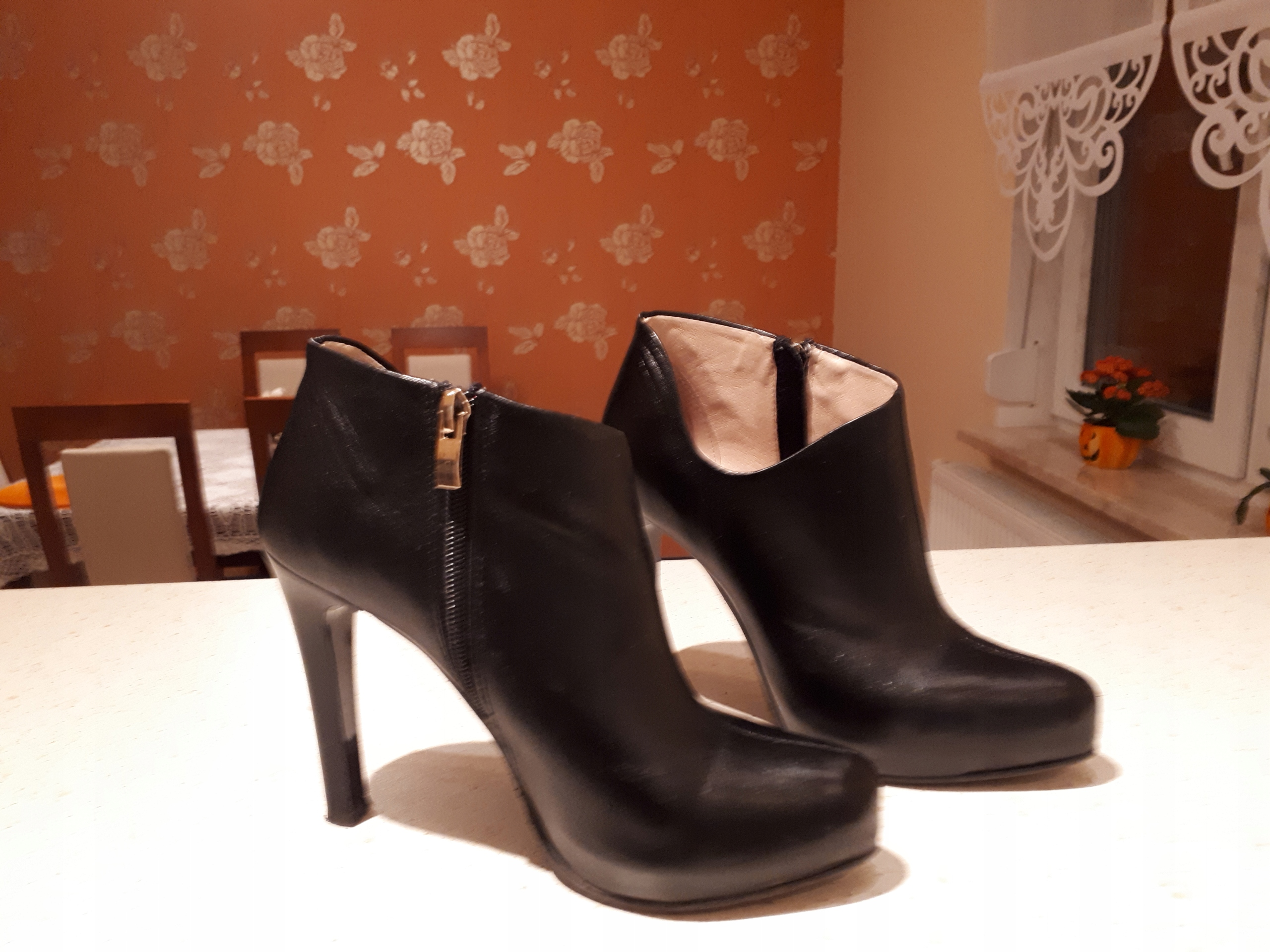 750e554670385 eleganckie botki skórzane, czarne marki Nieścior - 7694392473 ...