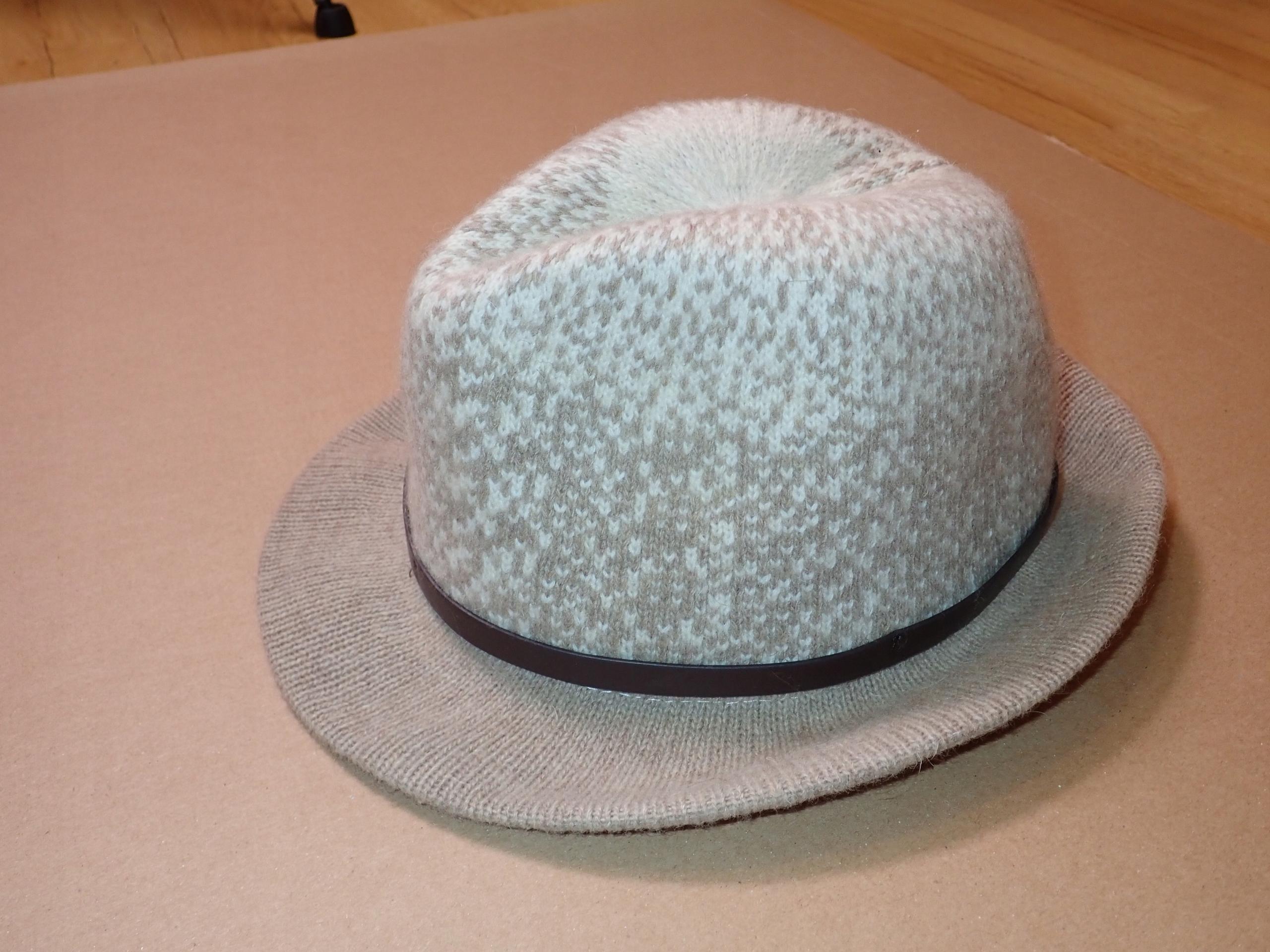 M&S - kapelusz, 66% WEŁNA - S/M