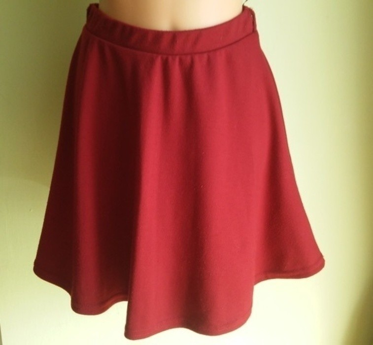 Spódnica rozkloszowana bordowa New Look ( 38 )