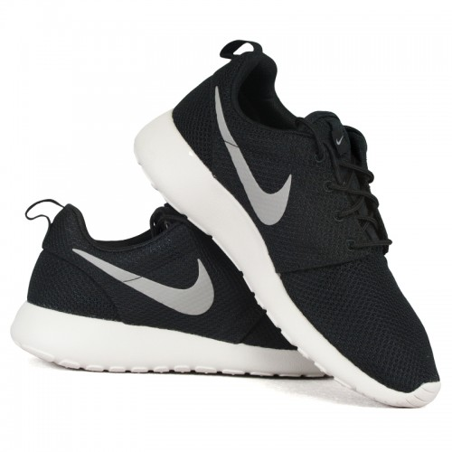 nike rosherun 511881 004 roshe run r 36 gratis. Black Bedroom Furniture Sets. Home Design Ideas