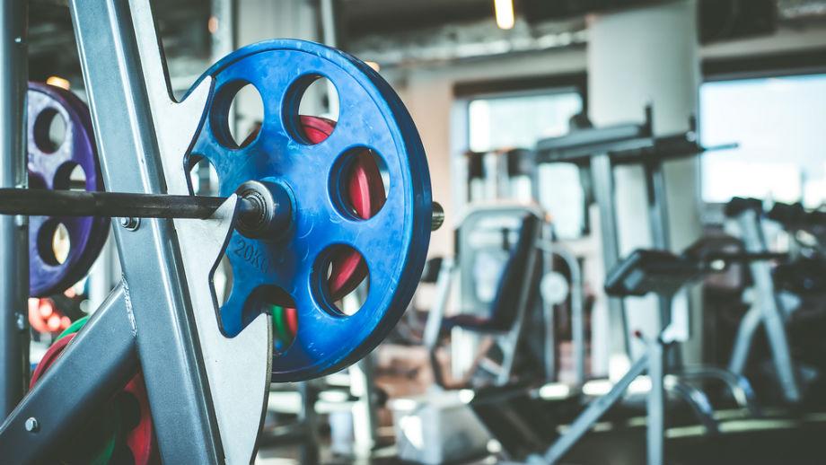 Pierwszy raz w siłowni – niezbędnik