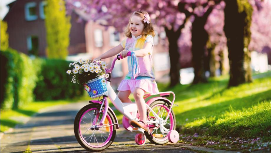 5 rowerków z bajkowym motywem dla dziewczynek