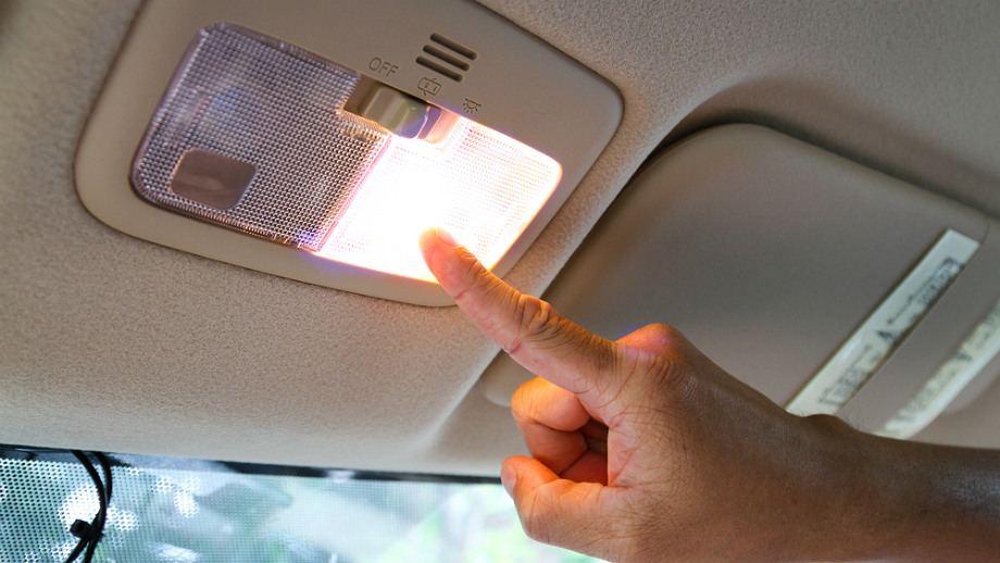 Czy Warto Wymienić Oświetlenie Wewnętrzne Pojazdu Na Led
