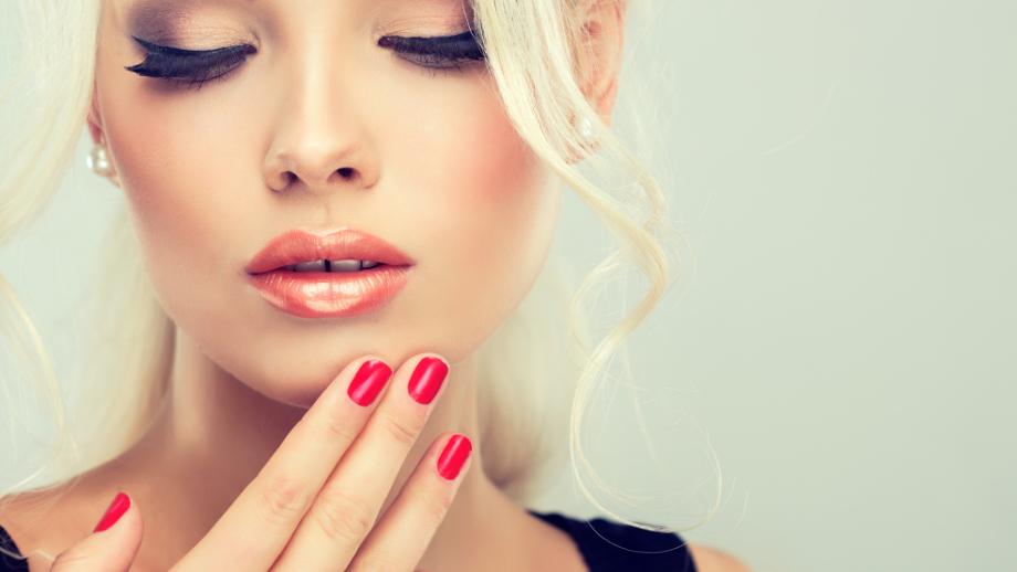 10 najlepszych czerwonych lakierów do paznokci