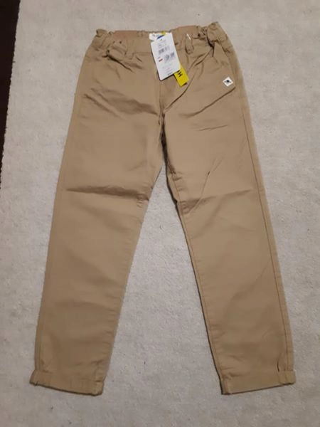 Nowe spodnie chinos Reserved dla chłopca rozm. 128