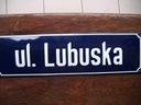 tablica z nazwa ulicy