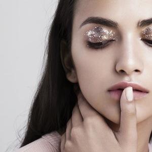 Glam Make Up Czym Się Charakteryzuje I Jak Go Wykonać Allegropl