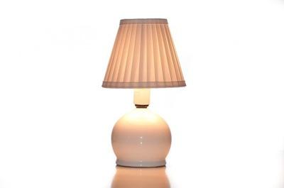 Ručne naberaný tienidlo na luster lampa.