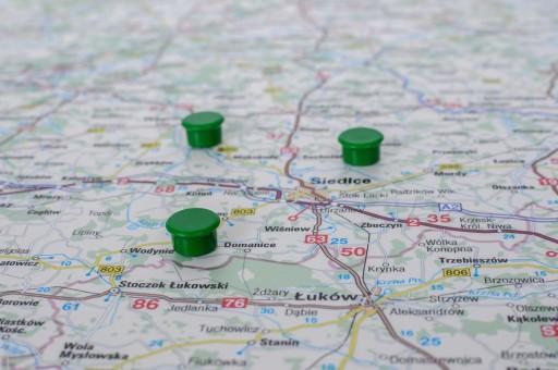 MAGNESY / ZNACZNIKI DO MAP 10 sztuk ZIELONE 13 mm.