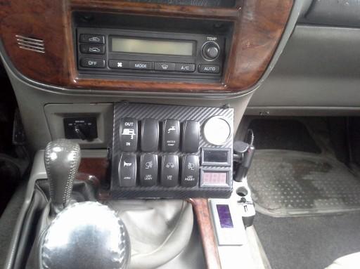 Konsola Nissan Patrol Y61 na wyłączniki tunning
