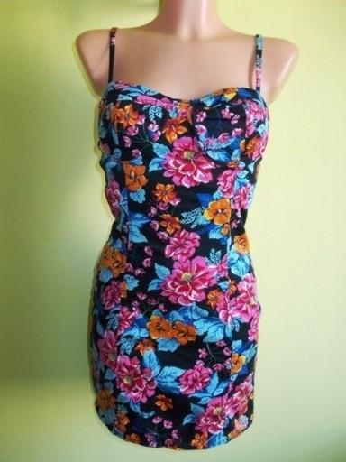 Sukienka ołówkowa w kwiaty Influence ( 36 / 38 )